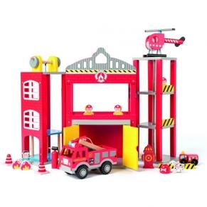 Woody - Дървенa пожарна станция с камиони и хеликоптер