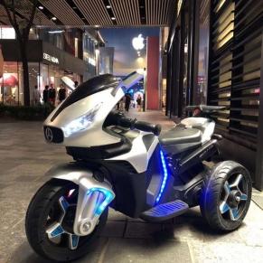 Акумулаторен мотор  Shadow 12V с меки гуми и кожена седалка