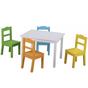 Classic world - Детска дървена маса с 4 стола
