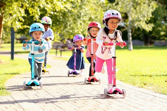 Как да научим детето да кара тротинетка?