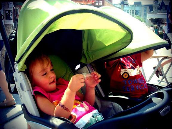 Какво трябва да знаем при избор на колички за близнаци?